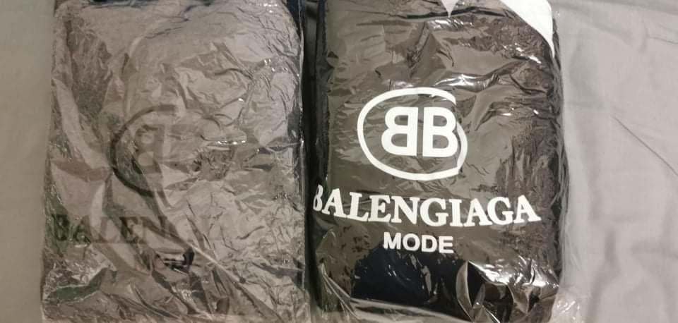 deux pull Balenciaga à capuche Taille 2xl 35 pour 1 35 Roubaix (59)