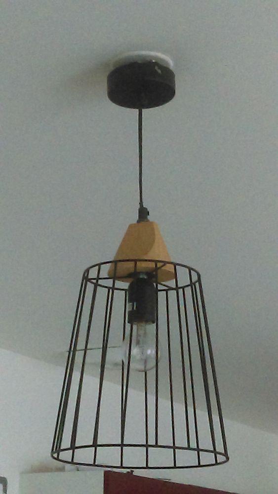 Lot de deux suspensions filaires métal noir et bois 20 Angoulins (17)