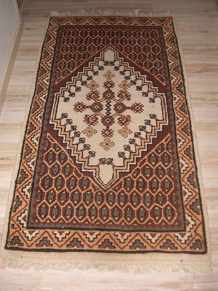 deux tapis de kairouan  120 Savins (77)