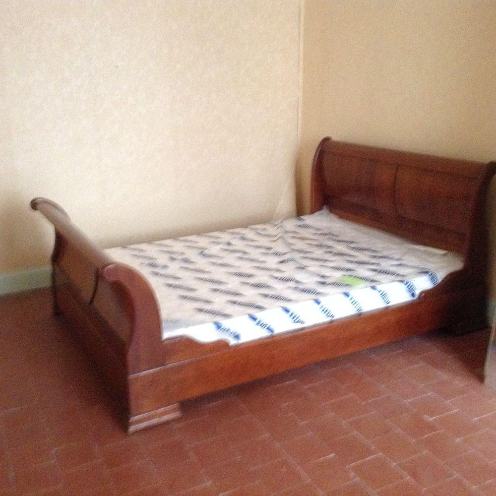 Deux très beaux lits de style Louis Philippe a Charentenay 350 Charentenay (89)