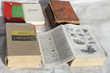 4 dictionnaires anciens en bon état