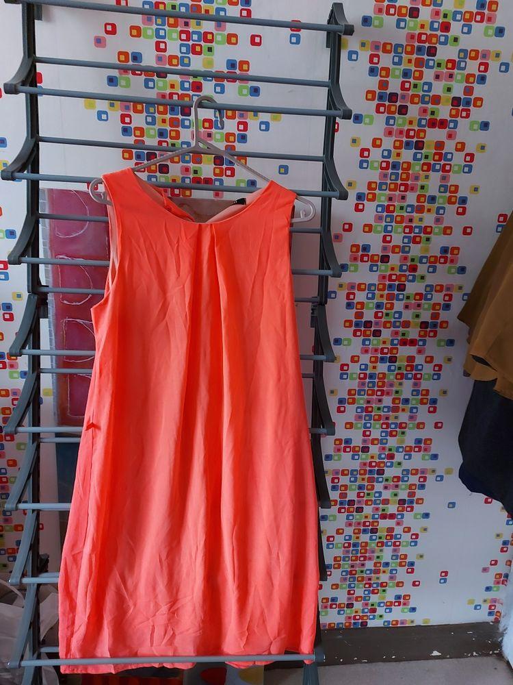 différents articles, tuniques, robe 4 Charleville-Mézières (08)