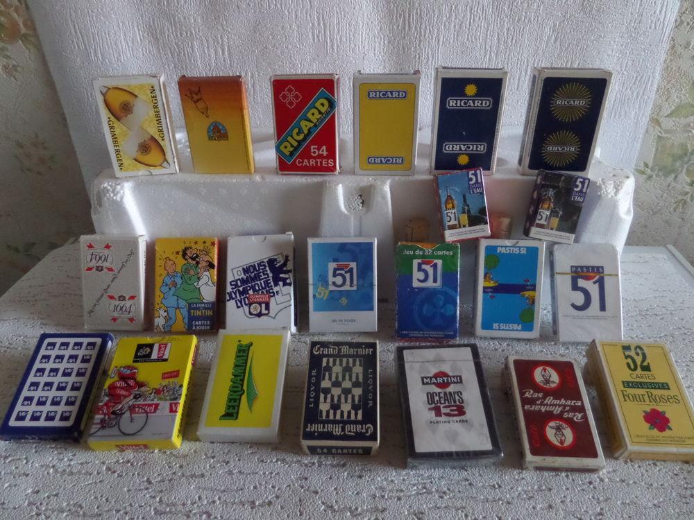 différents jeux de cartes  publicitaire 3 Lyon 8 (69)