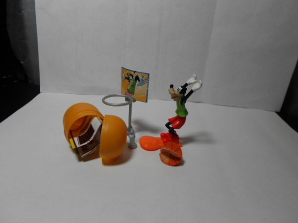 DINGO BASKETTEUR DE KINDER SURPRISE MICKEY MOUSE & FRIENDS 4 Montauban (82)