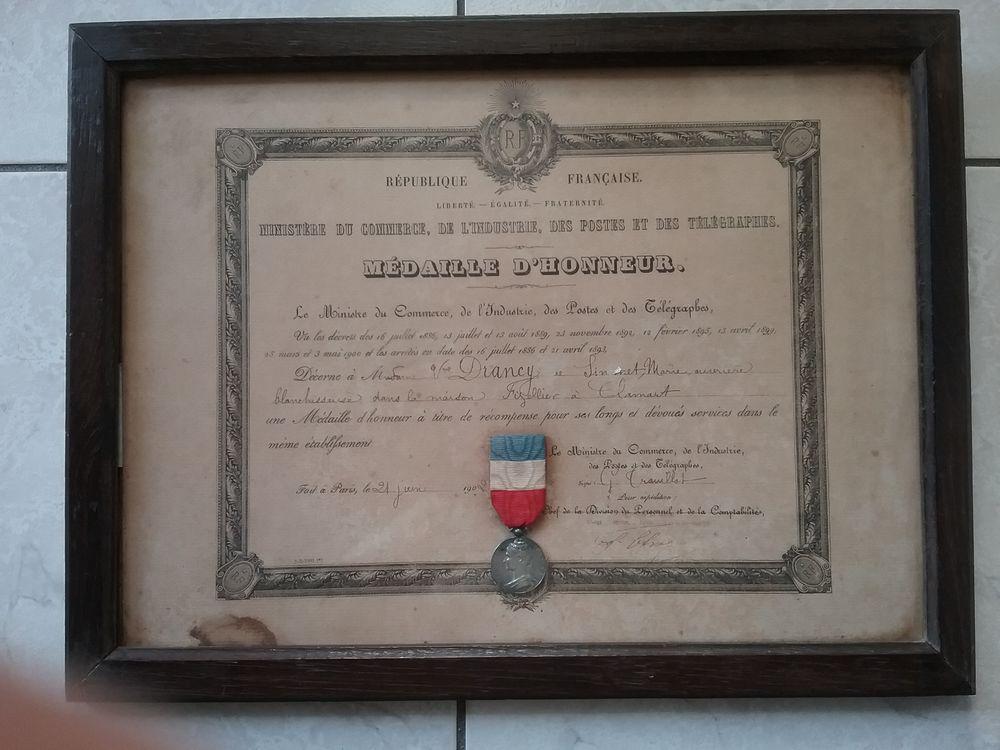 Diplôme et sa médaille d'honneur  20 Courbevoie (92)