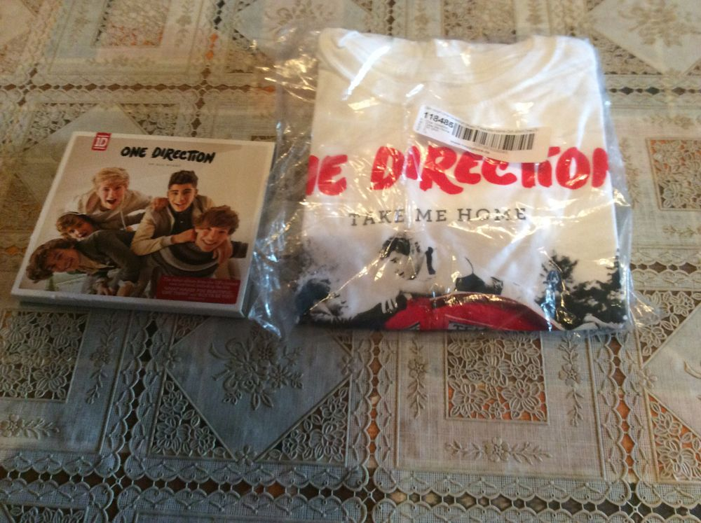 Cd one direction + tee-shirt fille taille S 10 Hinx (40)