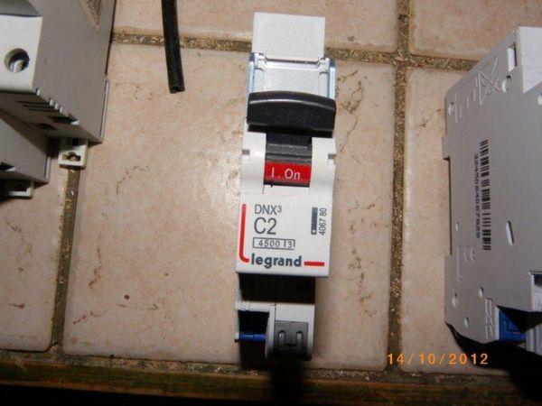 Disjoncteur PH N 2A auto Bricolage