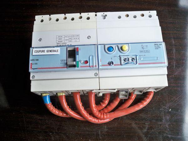 Disjoncteur différentiel  4 x 160 amp. différentiel réglable 200 Étréchy (91)