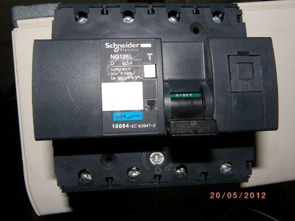 Disjoncteur modulaire Multi 9 NG125L 4 pôles 63 A 150 Nantes (44)