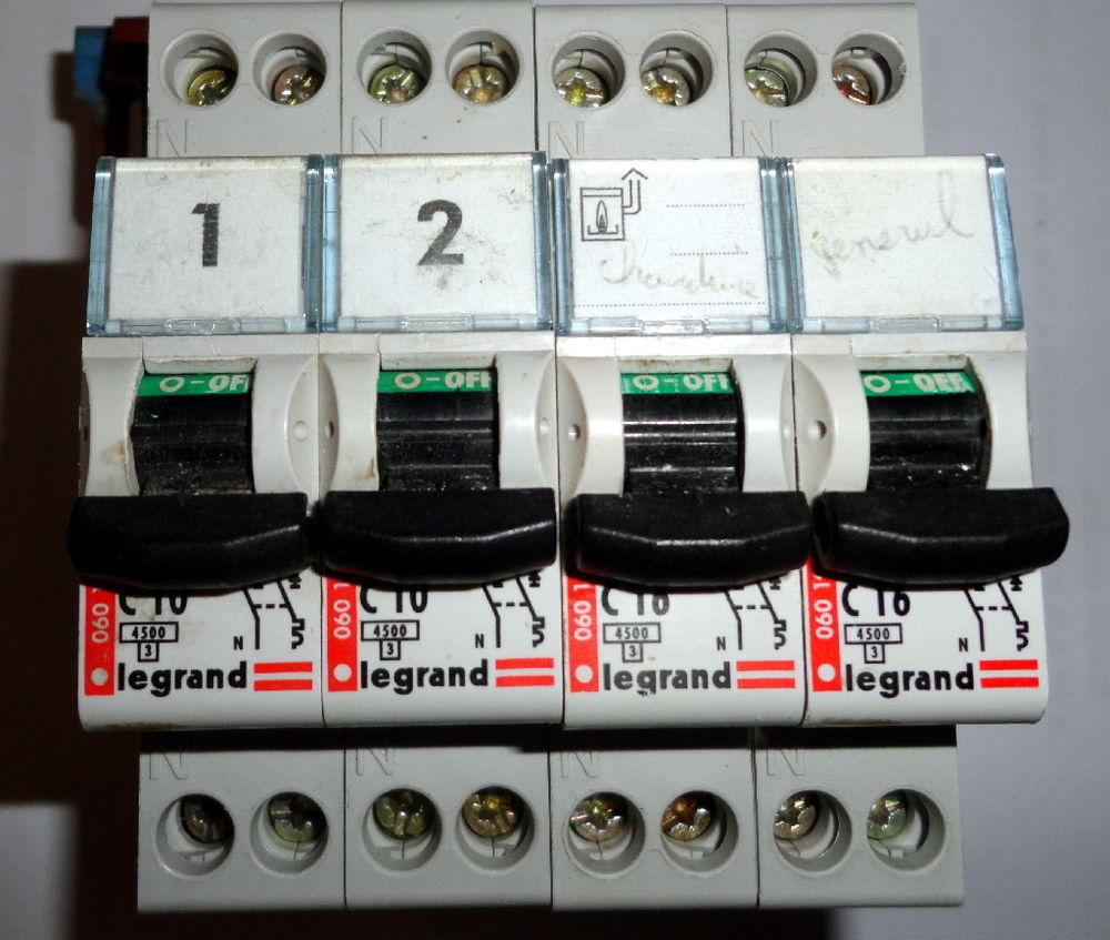 Disjoncteur phase+neutre dnx³4500 6ka legrand