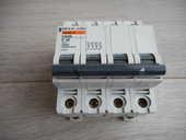 Disjoncteur tétra polaire 40A 10 Bondy (93)