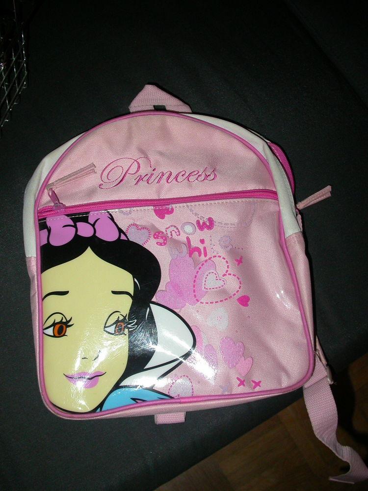 sac à dos Disney. Blanche Neige.  TBE 6 Auvers-sur-Oise (95)