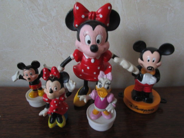 DISNEY - sujets divers Minnie et Mickey 5 Sassenage (38)