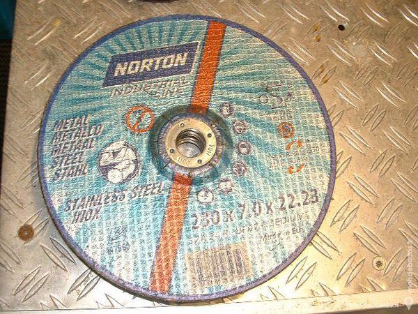 5 Disques à meuler NORTON 230x7.0mm Acier/Inox 10 Farschviller (57)