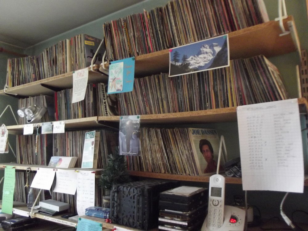 LOT 2 000 disques vinyles 45trs 0 Marseille 11 (13)