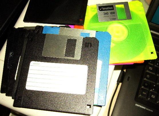 10 disquettes 3,5 2HD imation et Maxwell Matériel informatique