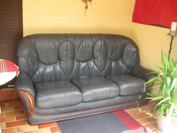 divans occasion marseille 13 annonces achat et vente de divans paruvendu mondebarras. Black Bedroom Furniture Sets. Home Design Ideas