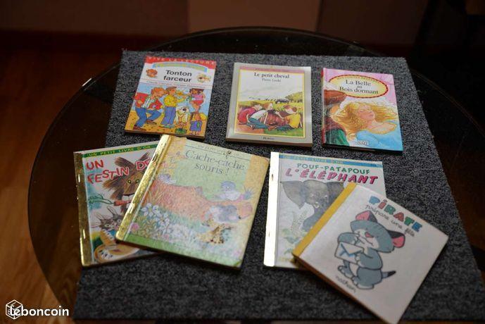 Divers livres jeunes enfants dont un très jeune Livres et BD