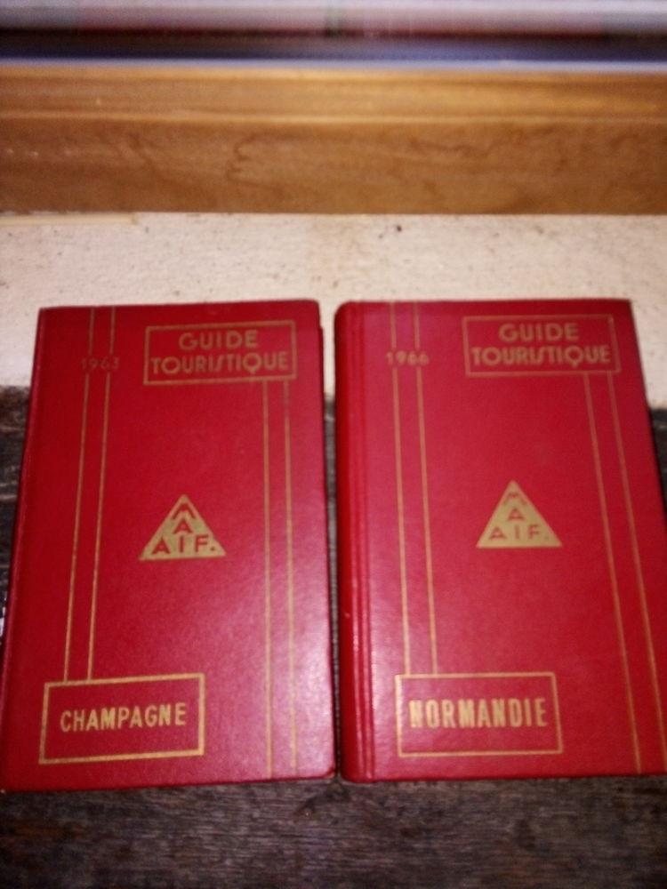 divers livres scientifiques chimie , physique , geologie ... 0 Naucelle (12)