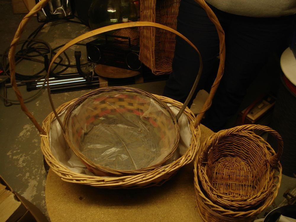divers paniers et corbeilles en osier 0 Mérignies (59)