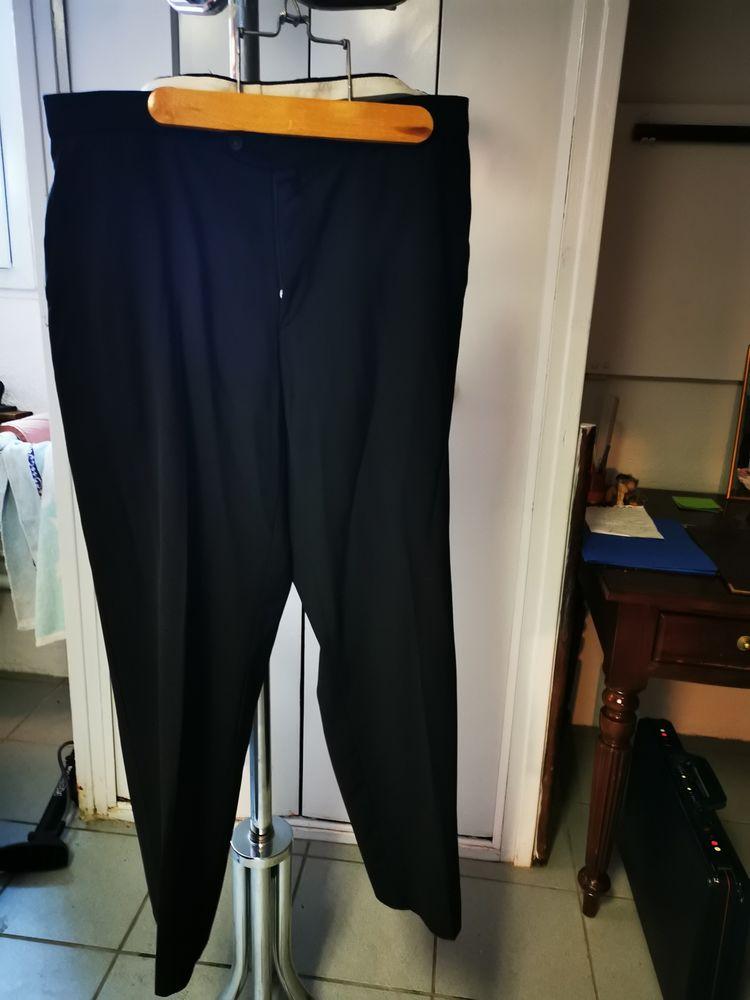 Divers pantalons de costumes 15 Saint-Georges-les-Bains (07)