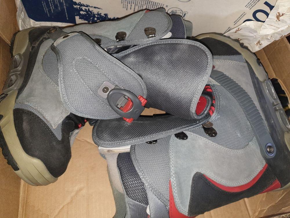 divers planche de snowboard plus bottes taille 42 30 Saint-Julien-en-Genevois (74)