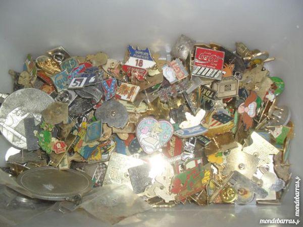 divers pin's 1 Auzat-la-Combelle (63)