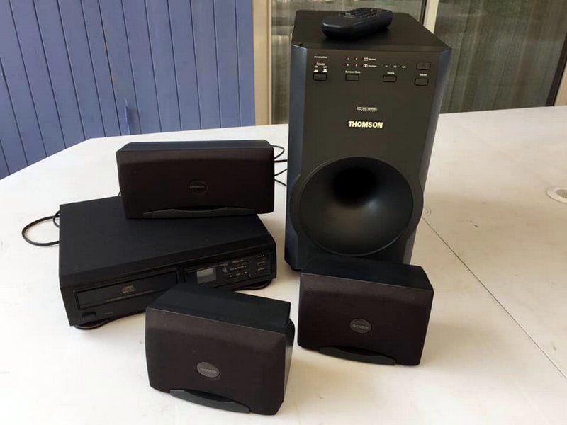 Dolby et lecteur CD... 45 Aiglun (04)