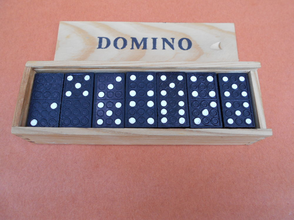 JEU   Dominos    4 Dammarie-les-Lys (77)