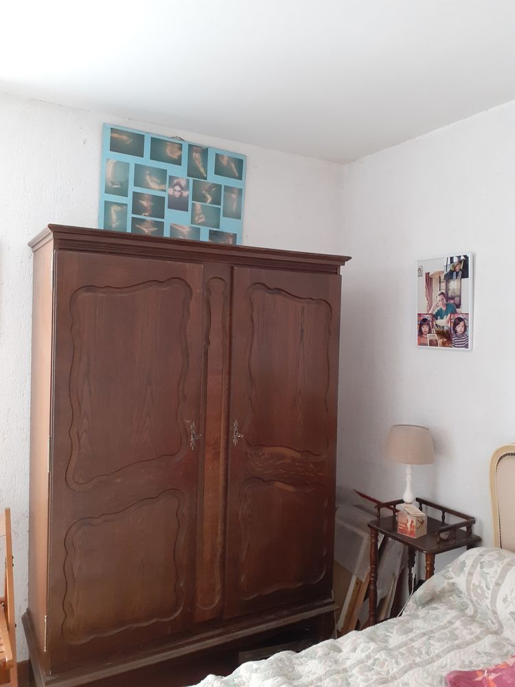 DONNE une Armoire 2 portes style rustique  0 Antibes (06)
