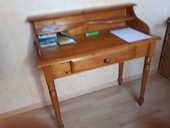donne divers petits meubles  0 Annecy (74)