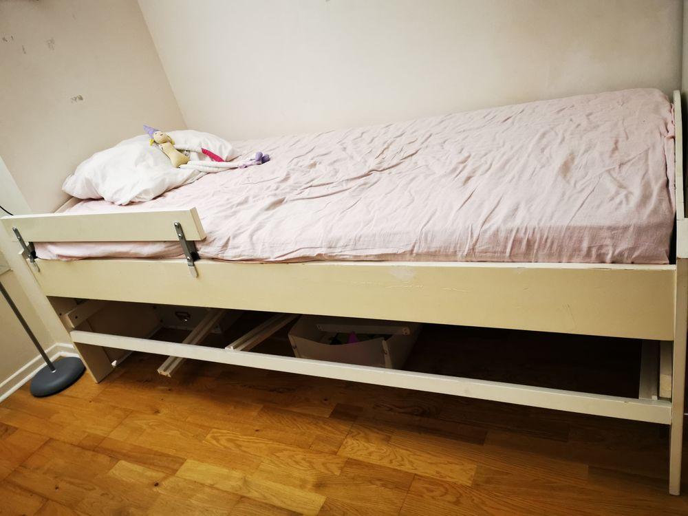 donne lit enfant + commode + bureau  0 Gonesse (95)