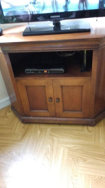 DONNE Un meuble TV en merisier 0 Roubaix (59)