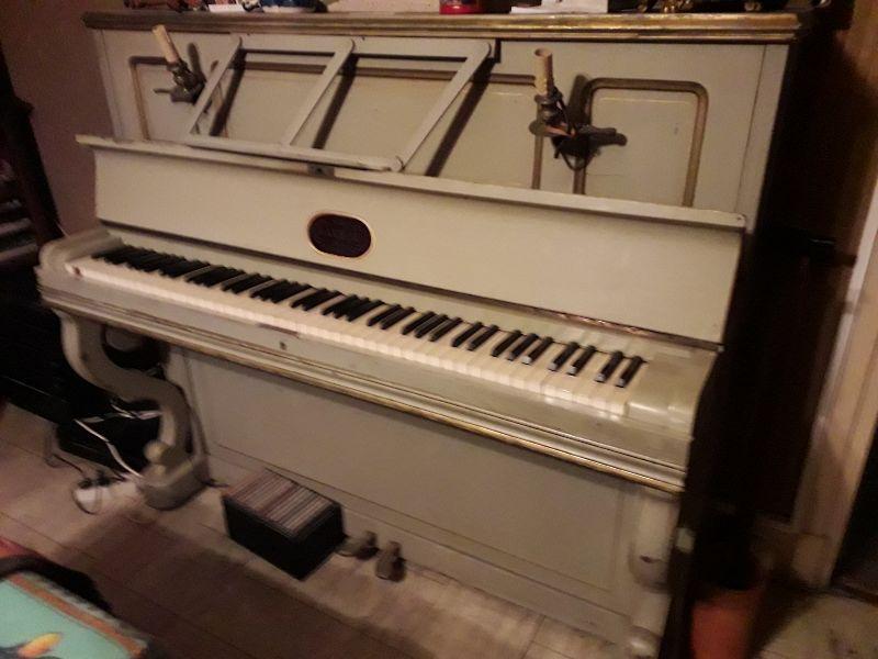 DONNE PIANO DROIT D'ETUDE 0 Elbeuf (76)