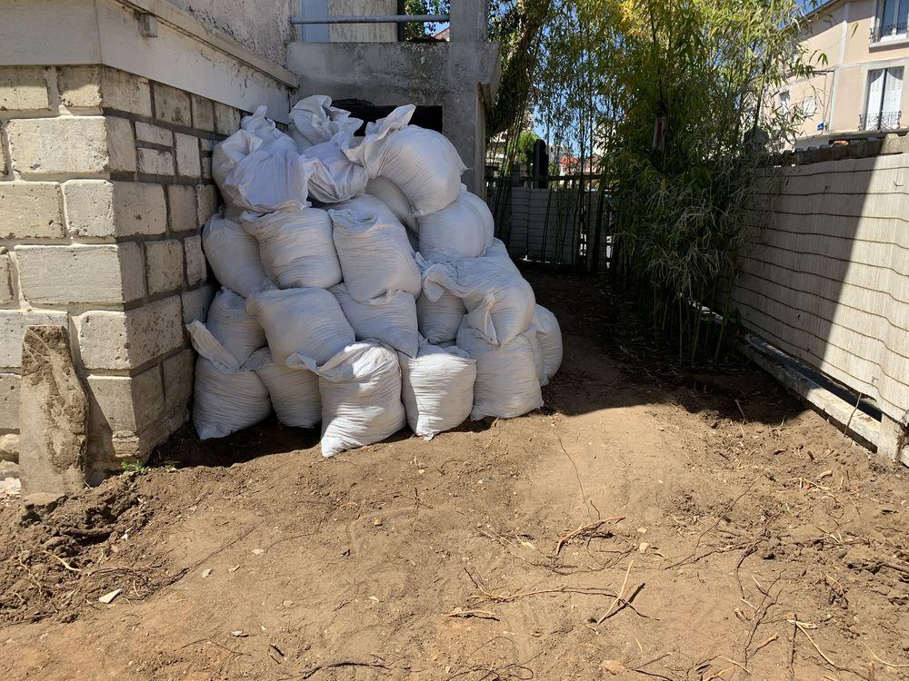 Donne Terre végétale de très bonne qualité 15-20 m³ 0 Maisons-Alfort (94)