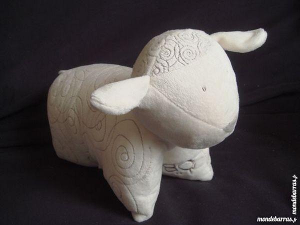 doudou coussin en forme d'agneau 7 Épernay (51)