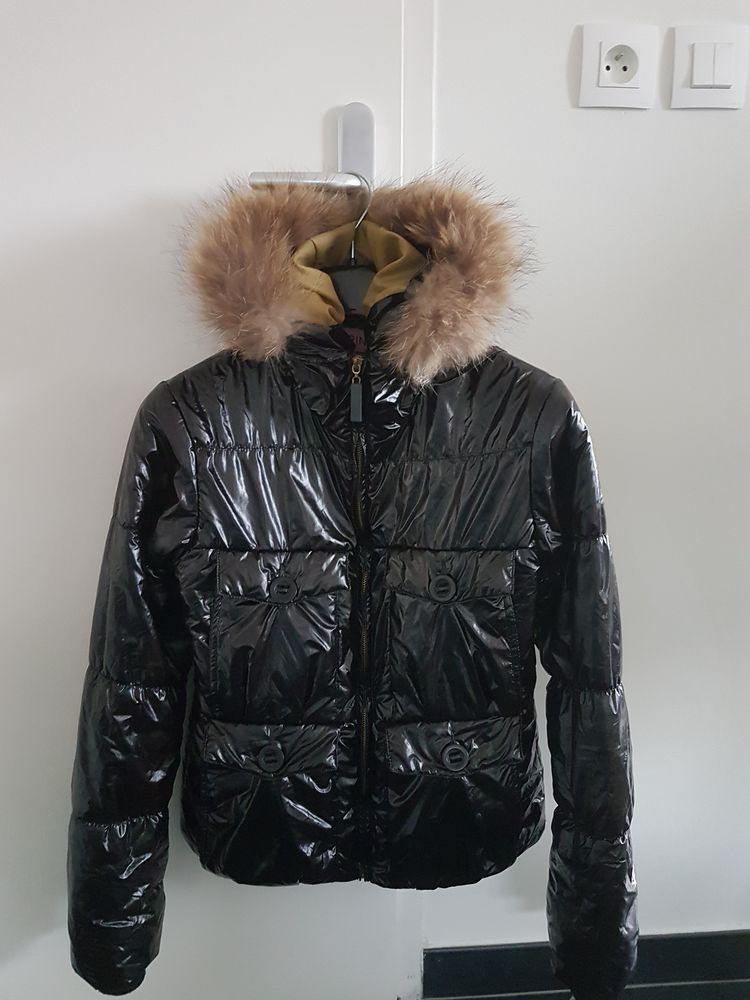 Doudoune noir avec capuche et fourrure  12 Hem (59)