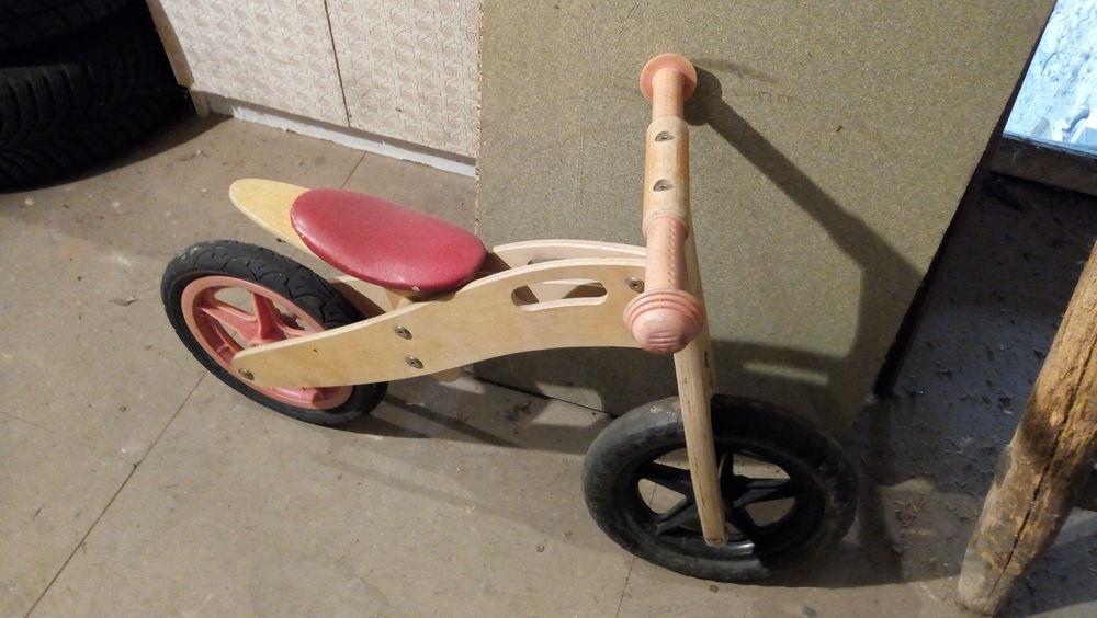 Draisienne en bois pour enfants. Longueur 85 cm  8 Valmont (57)