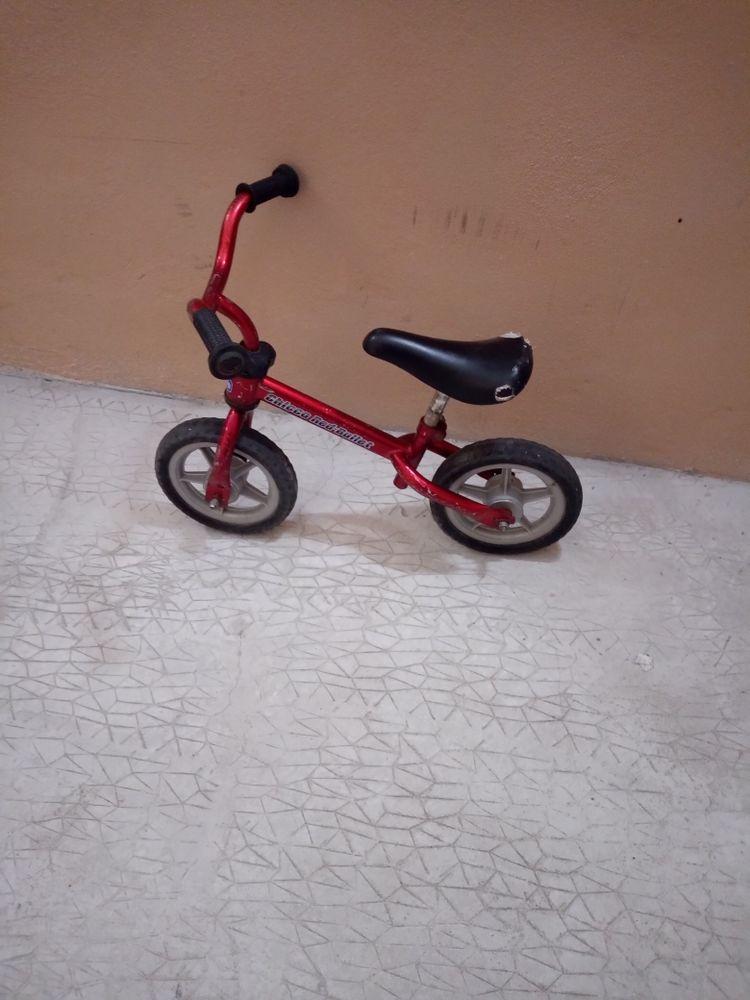Draisienne enfant marque Chicco et trottinette 3 roues 25 Toulon (83)