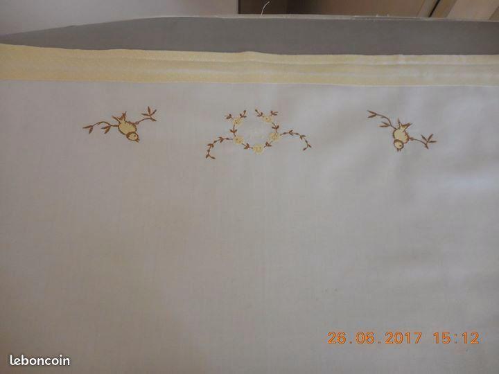 drap de berceau et son oreiller 4 Sète (34)