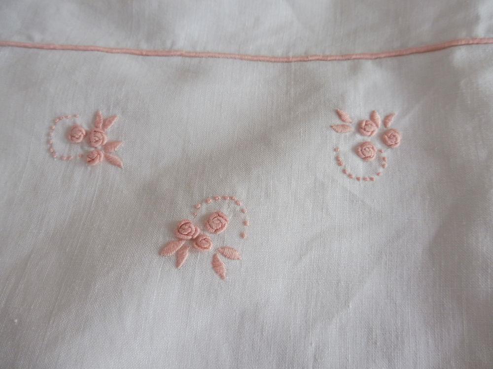drap d'enfant de berceau , vintage ,  10 Issoire (63)
