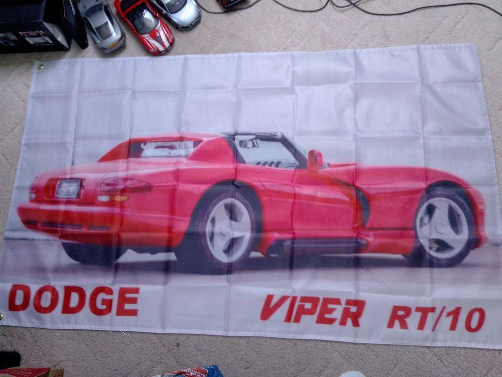 Drapeau Dodge Viper RT/10, neuf 25 Saint-Hernin (29)