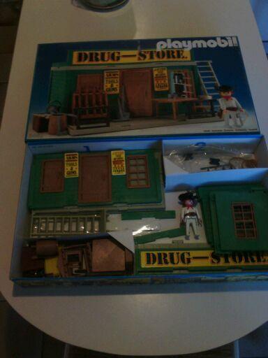 Drugstore  Playmobil   80 Paris 15 (75)