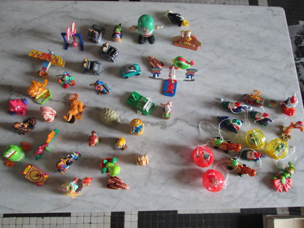Echange figurines miniatures Kinder contre timbres 1 Herblay (95)