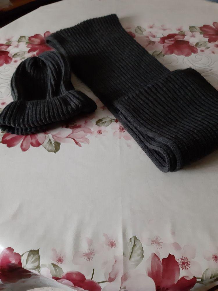 Echarpe et bonnet 10 Noyon (60)