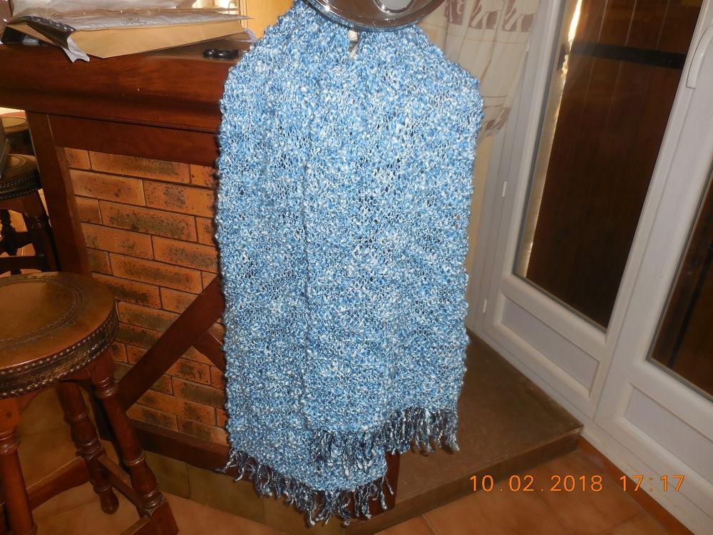 écharpe laine bleu et blanche 6 Sète (34)