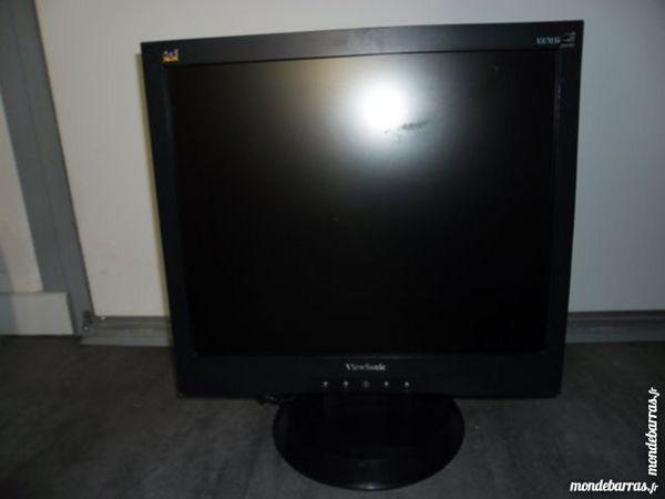 Ecran plat LCD 17'' ViewSonic 8 Lyon 9 (69)