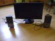 écran plus deux enceintes pour ordinateur Matériel informatique