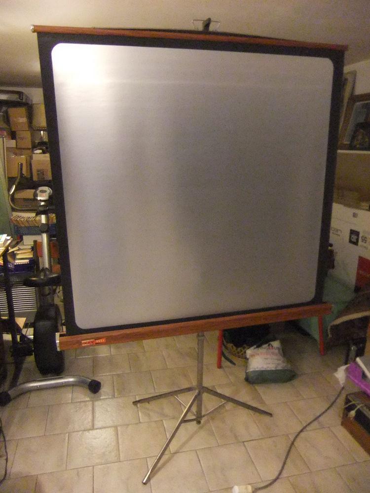 Écran de projection ORAY HD 1m20 x 1m20 0 Maisons-Laffitte (78)