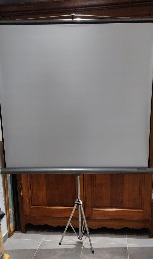 Ecran de projection pour diapos ou films tbe 45 Hazebrouck (59)